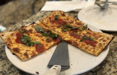 Puccinis Restaurant & Pizza